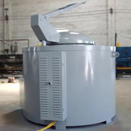 坩埚式熔铝炉